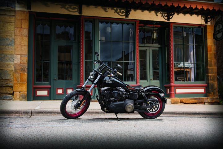 Gagnez une année d'assurance pour votre moto.