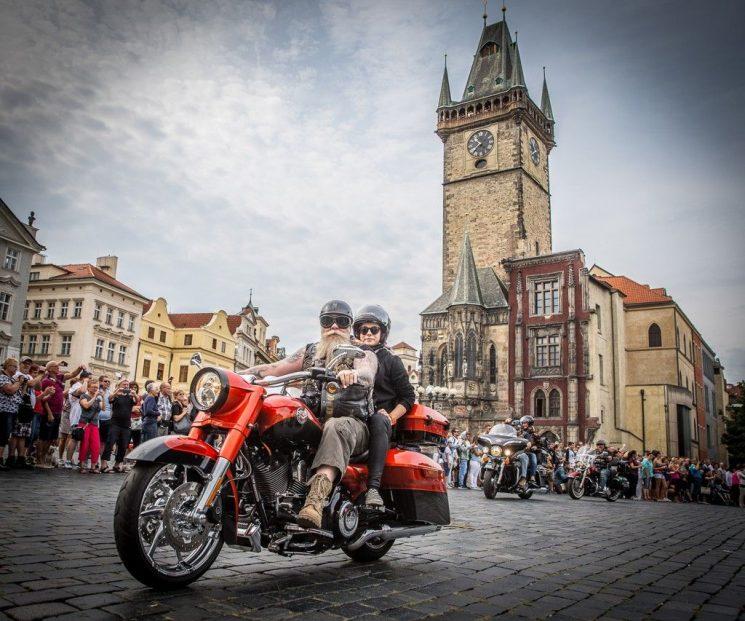 Vivez le 115ième anniversaire de Harley-Davidson en direct de Prague